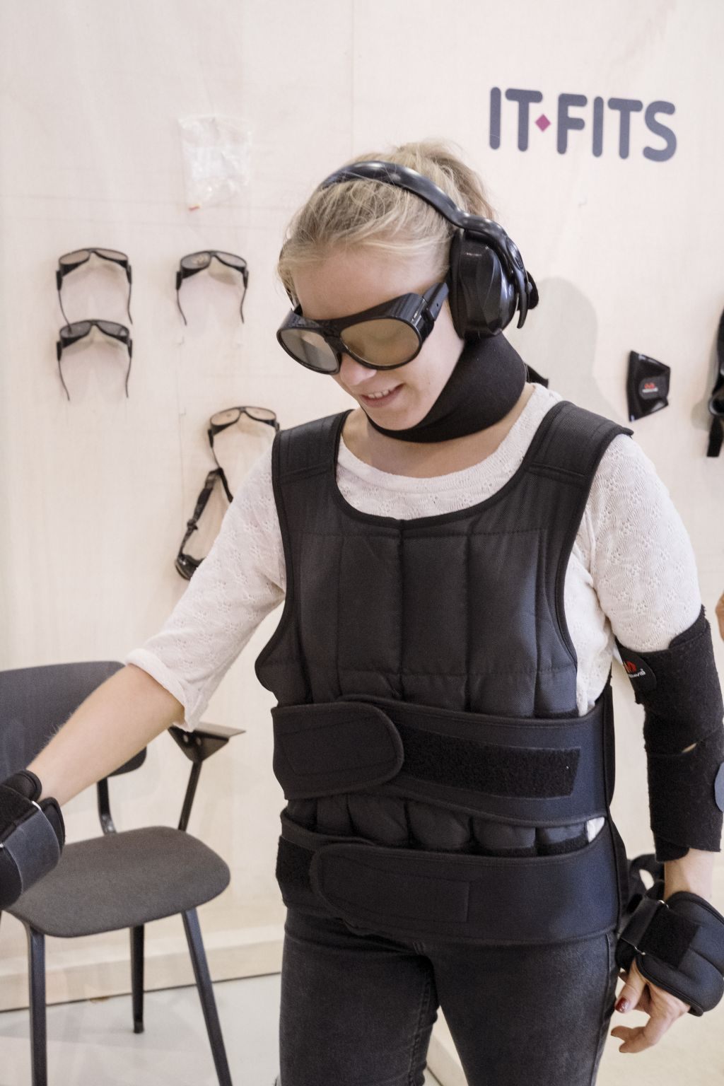 Simulation Suit: Experience what it is like to age, photo Johannes Schwartz